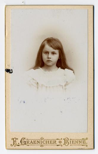 Marguerite Zaeslein-Schwab jeune fille (plus tard 1ère épouse de l' Ing. Theod. Z., jun.) by Graenicher F.